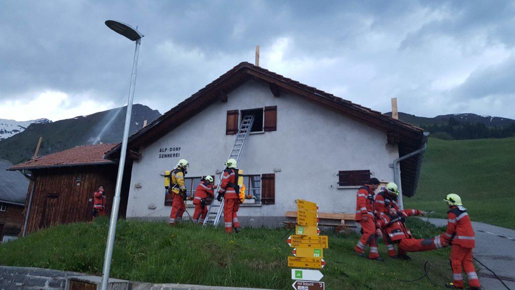 Feuerwehr Safiental im Einsatz (photo credit: Simon Zellweger)